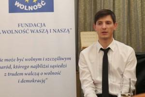 """Ryhor Astapienia podczas dyskusji """"Białoruś po Ukrainie. Krajobraz polityczny po wydarzeniach"""